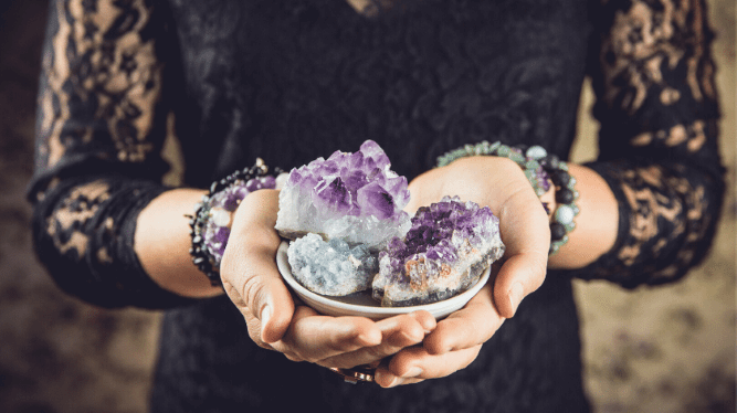 Chat with a Live Crystal Reader